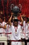 "angkat trophy UCL 2007 ""maldini"""