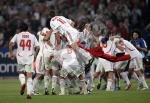 AC-Milan-team-celebrates-0000014202